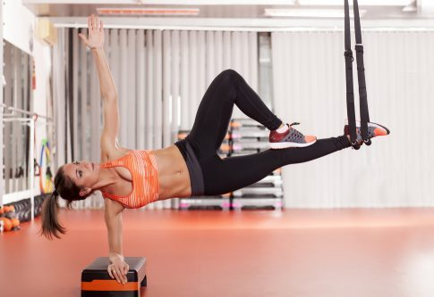 core, mujer, abdominales, pilates, trx
